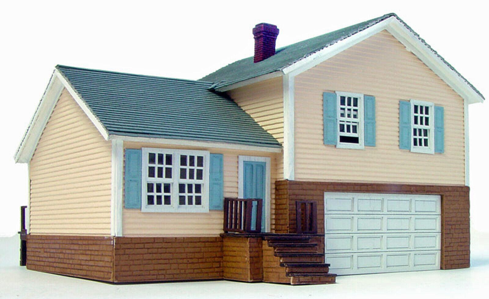SPLIT LEVEL HOUSE HO Model Railroad Structure Unpainted Laser-Cut Wood Kit LA612