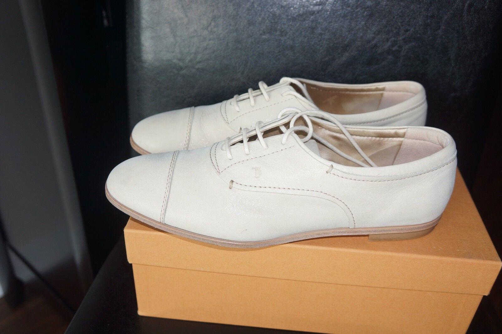 Tod's Ivory Nubuck Leather Lace Up Flat Oxford shoes Sz IT 40 US 9.5