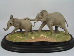 COUNTRY-ARTISTS-ELEPHANT-CALVES-FIGURINE-CA-950