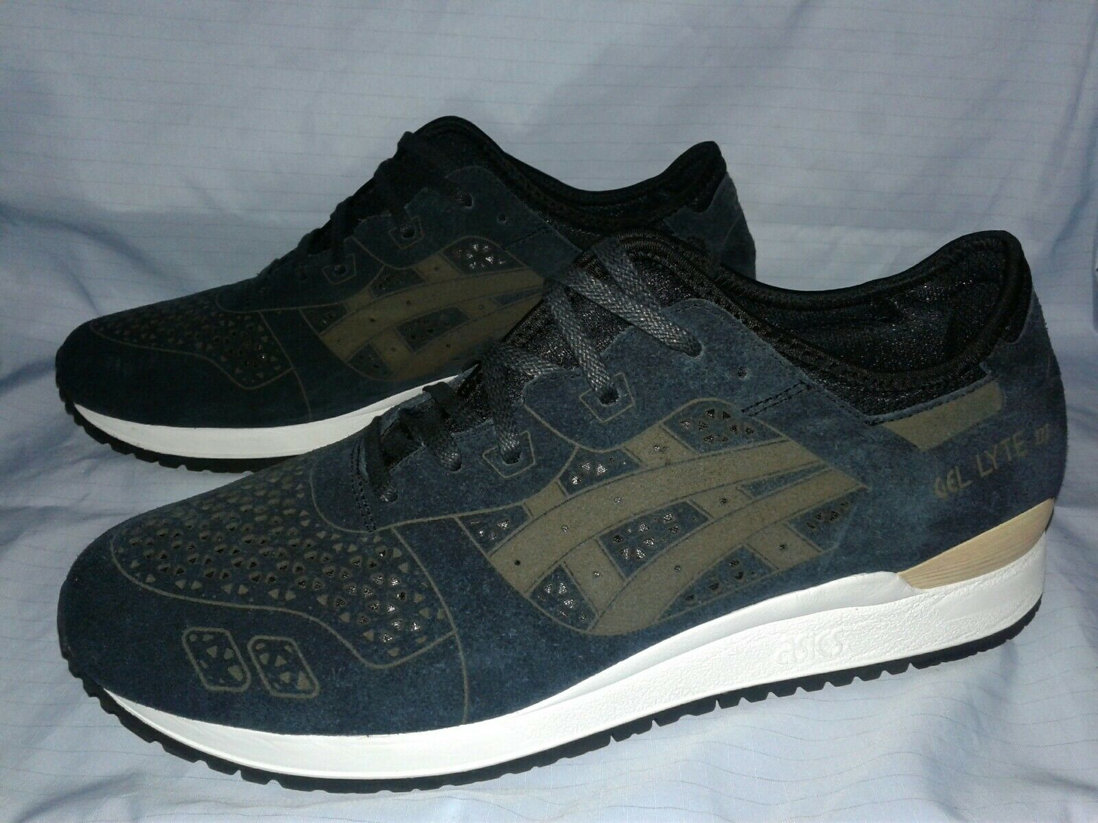 06-255 ASICS Tiger Men's GEL-Lyte III shoes , Size  12 CLASSIC RETRO STYLE