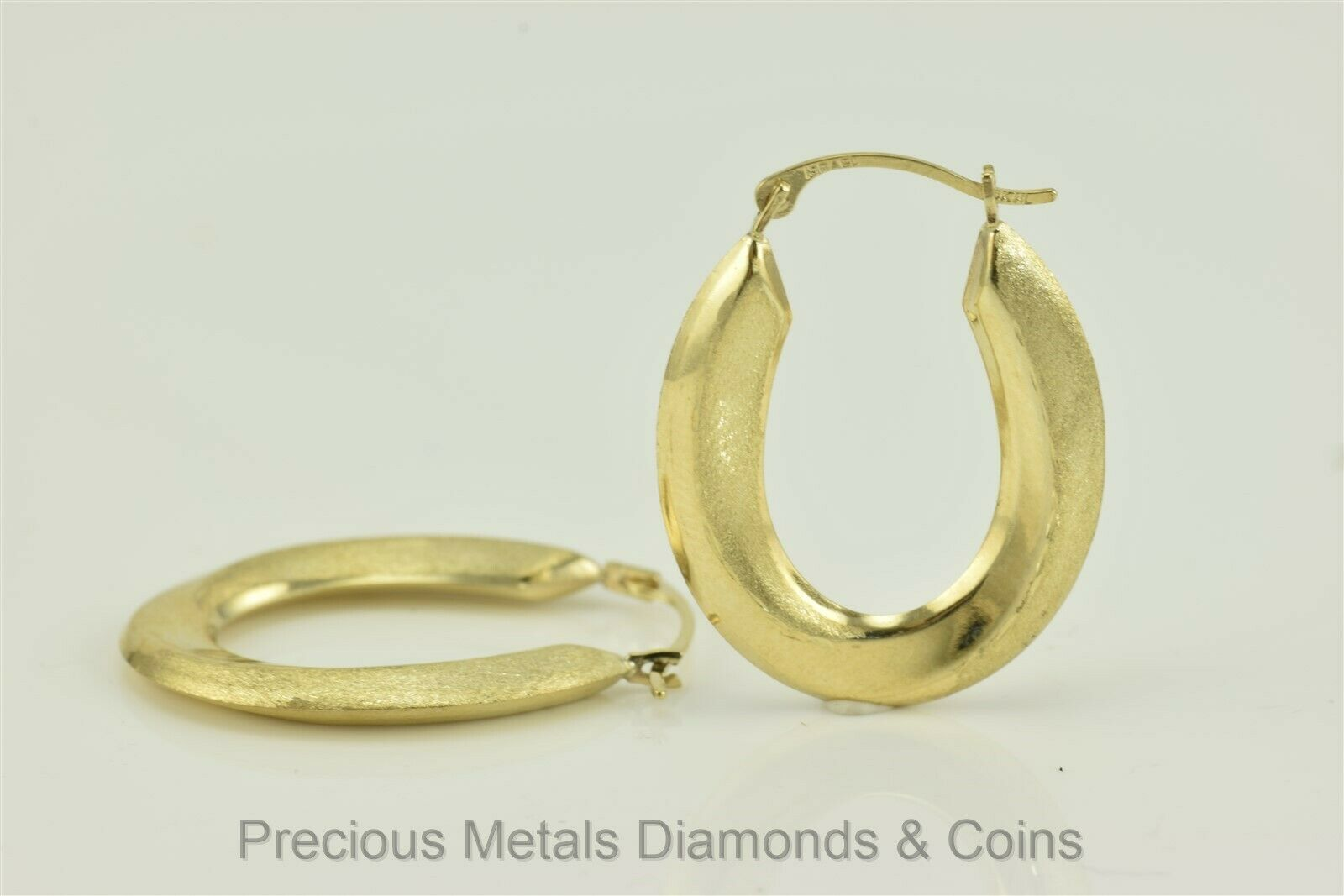 10k Yellow gold 25mm x 19mm Polished & Satin Oblong Hoop Earrings NEW