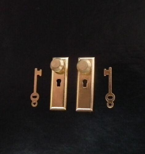 1//12 miniature maison poupées poignées en laiton /& clés ensemble boutons de porte accessoires BN LGW