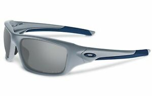 New Oakley Sunglasses OO9236-05 Valve Matte Fog Frame Grey Polarized lens
