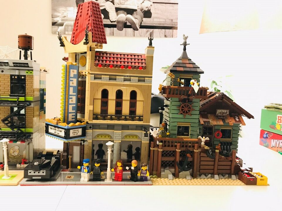 Lego Exclusives, Modular 10218, 10232