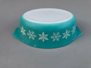 Vtg. PYREX Turquoise White Snowflake Casserole Dish 1 &1/2 Qt. No. 043