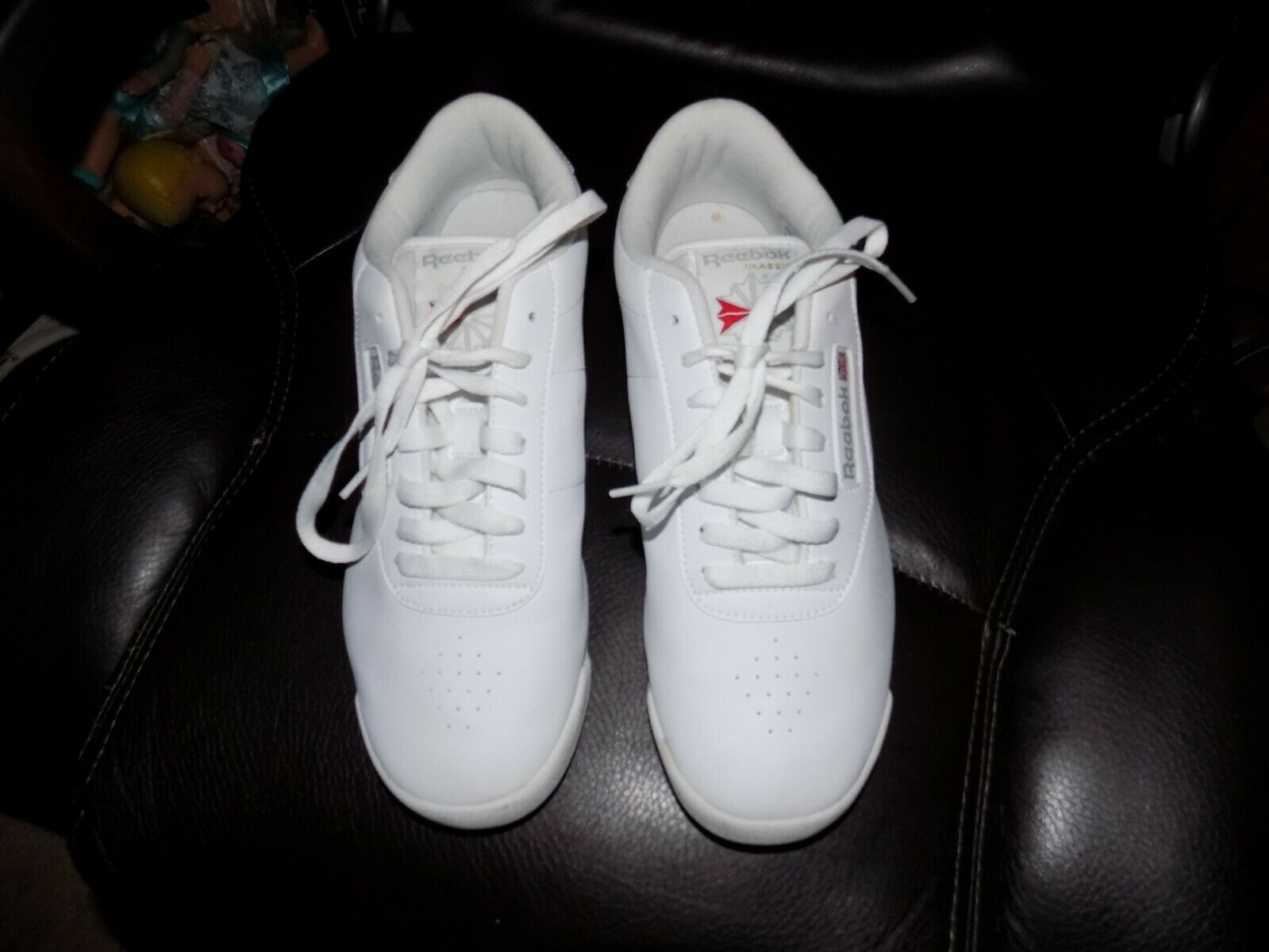 Reebok Classic 039501 White Leather Walking Running shoes Size 9.5 Wide Women's