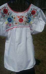 Puebla-Mexican-Blouse-Top-Shirt-White-Embroidered-Flowers-Birds-Floral-Medium-S