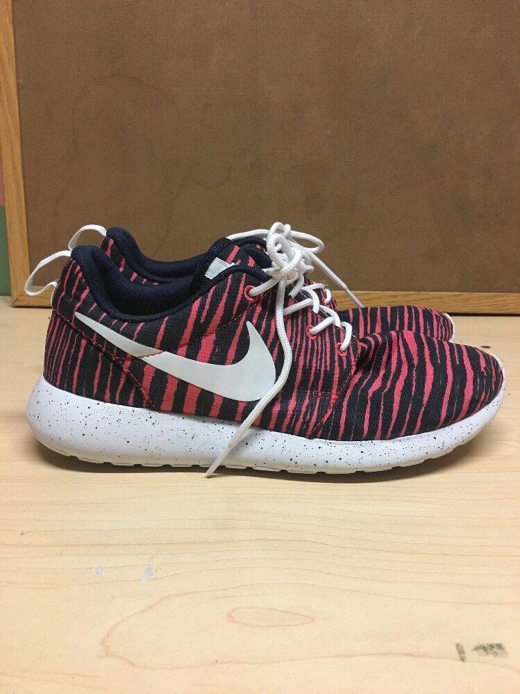 Nike women runinig shoes  pink and black size  us 8 eur 39 Seasonal clearance sale