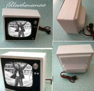 It-039-s-A-wonderful-Life-Dollhouse-Portable-Television-and-other-assorted-shows