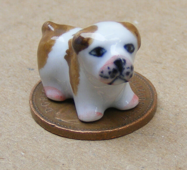 1:12 Scale Small Brown /& White Ceramic Puppy Dog Tumdee Dolls House Ornament G