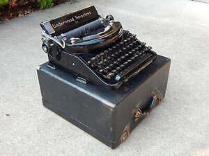 UNDERWOOD NOISELESS 77 Vintage Typewriter in Original Case