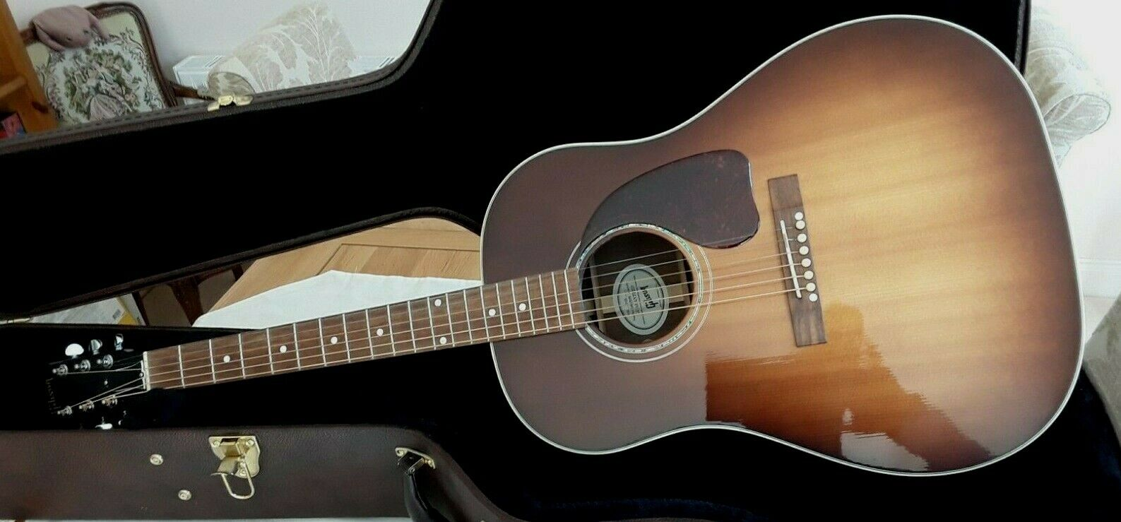 Image 1 - GIBSON J-15 SUPERB CONDITION 2017 WITH HARD CASE