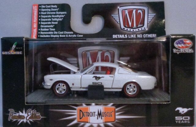 WHITE 1966 FORD MUSTANG FASTBACK M2 MACHINES 1:64 SCALE DIECAST METAL MODEL CAR