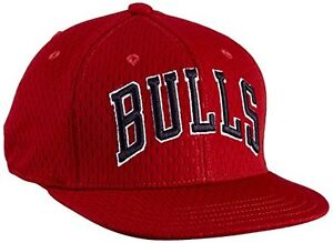 e36982d1088 BNWT Unisex Mesh Adidas Originals Chicago Bulls NBA Baseball Cap One ...