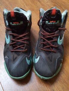 ea366bf70ac5 Image is loading Nike-Lebron-James-Black-Athletic-Boys-Basketball-Shoes-