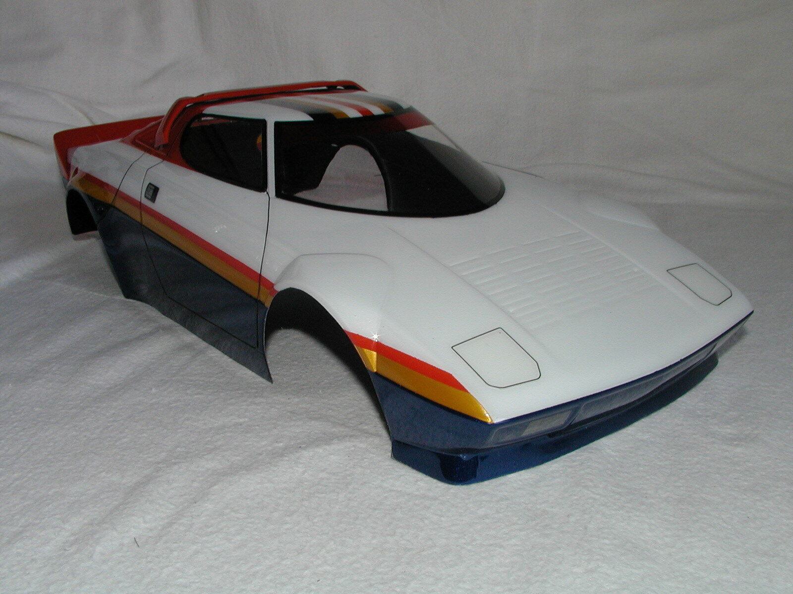 HPI 1/10 RC Body shell Karosserie M-Chassis - Lancia Stratos - Pro painted - New