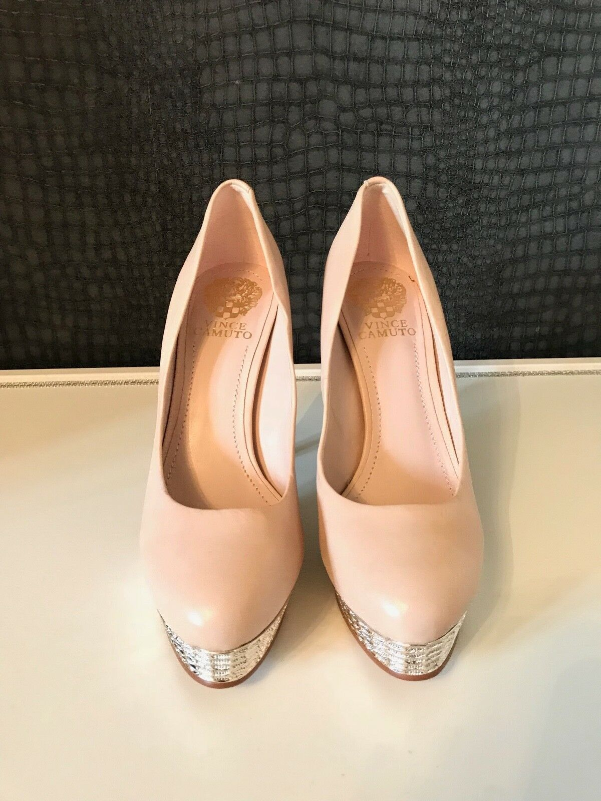NEW WITHOUT BOX - VINCE CAMUTO NUDE & SILVER SILVER SILVER SHOES - UK 5 38 c9a557