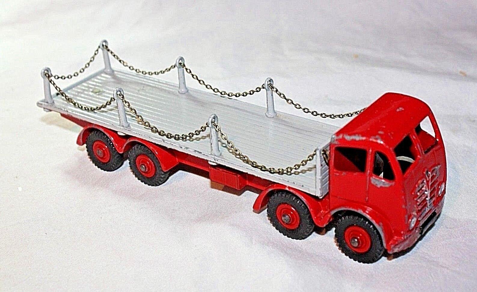 Dinky  905 FODEN Type Plat 2 camion avec chaînes, bon état