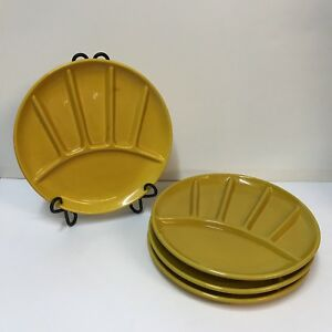 VTG-Fondue-Plate-Set-of-4-Made-In-Italy-Yellow-Hors-D-039-oeuvres-6-Section-Divided