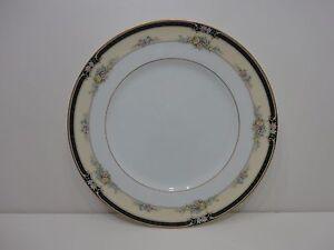 NWT-NORITAKE-BONE-CHINA-DARNELL-10-5-INCH-DINNER-PLATE-GOLD-TRIM