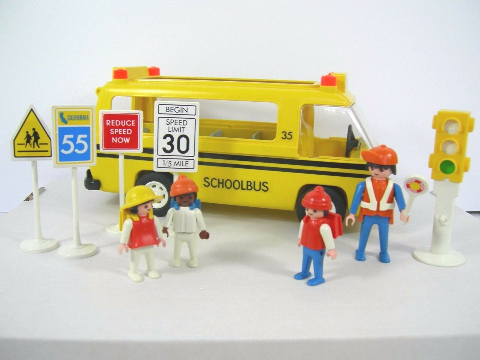 Vintage Playmobil School Bus Set 3170, 4 Figurines, 4 Street Signs and rosso Light