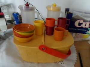 Vintage-Toys-Fisher-Price-Picnic-Basket-1988-amp-Tupperware-Pitchers-Bowls-Cups