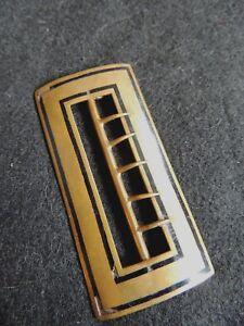 9cc7f5f67a27 Ancienne boucle de ceinture en métal doré et émail noir collection ...