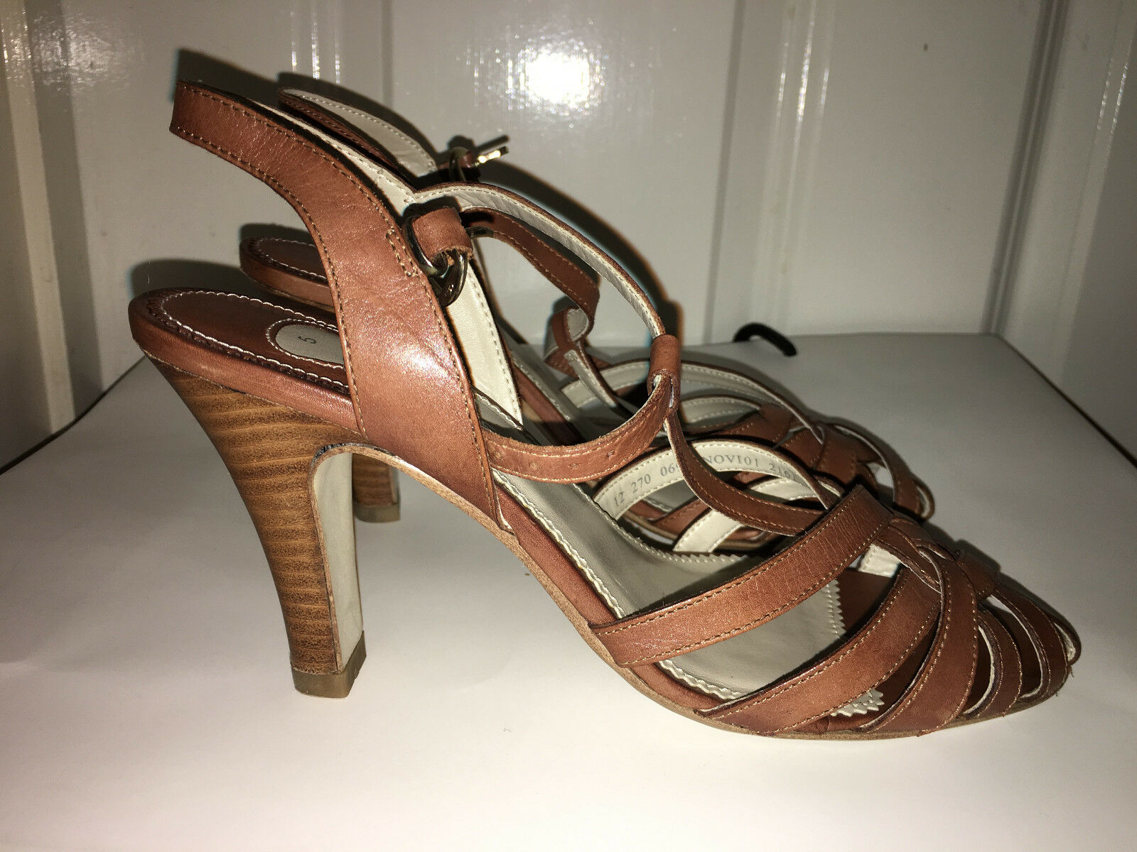 Very rare  Brand new Barrats sandals shoes, real leather 5 UK, 38