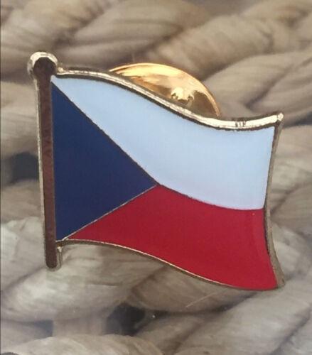 CZECH REPUBLIC .......Country mental //enamel lapel pin flag Brand new.