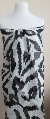Tommy Hilfiger ladies scarf cream black camo print NEW womens wrap sarong