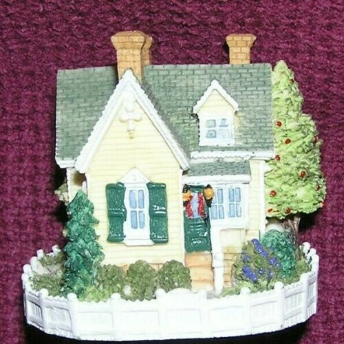 Liberty Falls Americana Collection Reverend Muir/'s Cottage