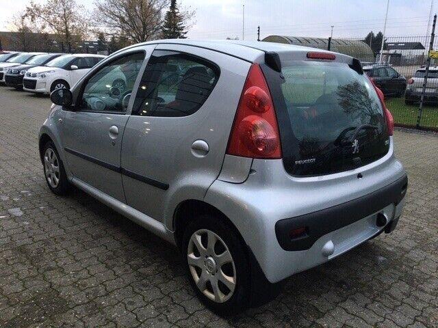 Peugeot 107 1,0 Benzin modelår 2007 km 208000 Sølvmetal ABS