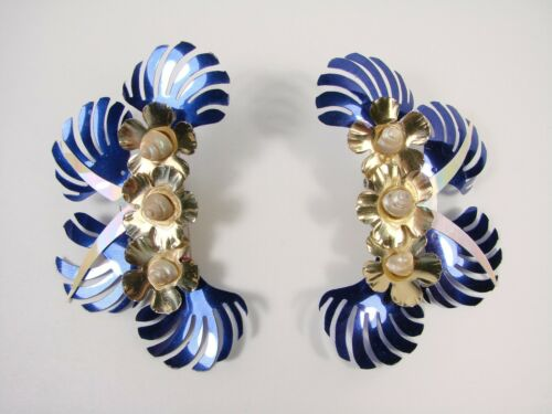 THE CITY OF PARIS LARGE BRIGHT VINTAGE EARRINGS