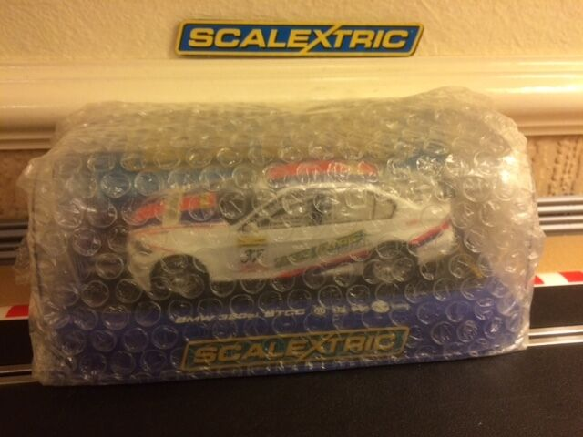 Scalextric BMW 320si BTCC CAR No37 - DPR & Working Lights C3217 Brand New Boxed