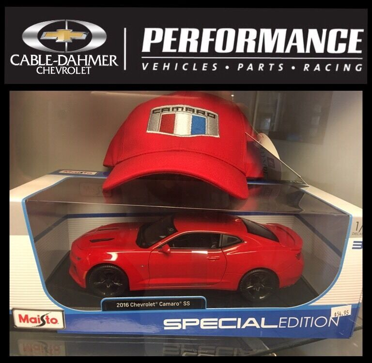 2016 Chevrolet Camaro SS Red 1 18 by Maisto with New Logo Cap