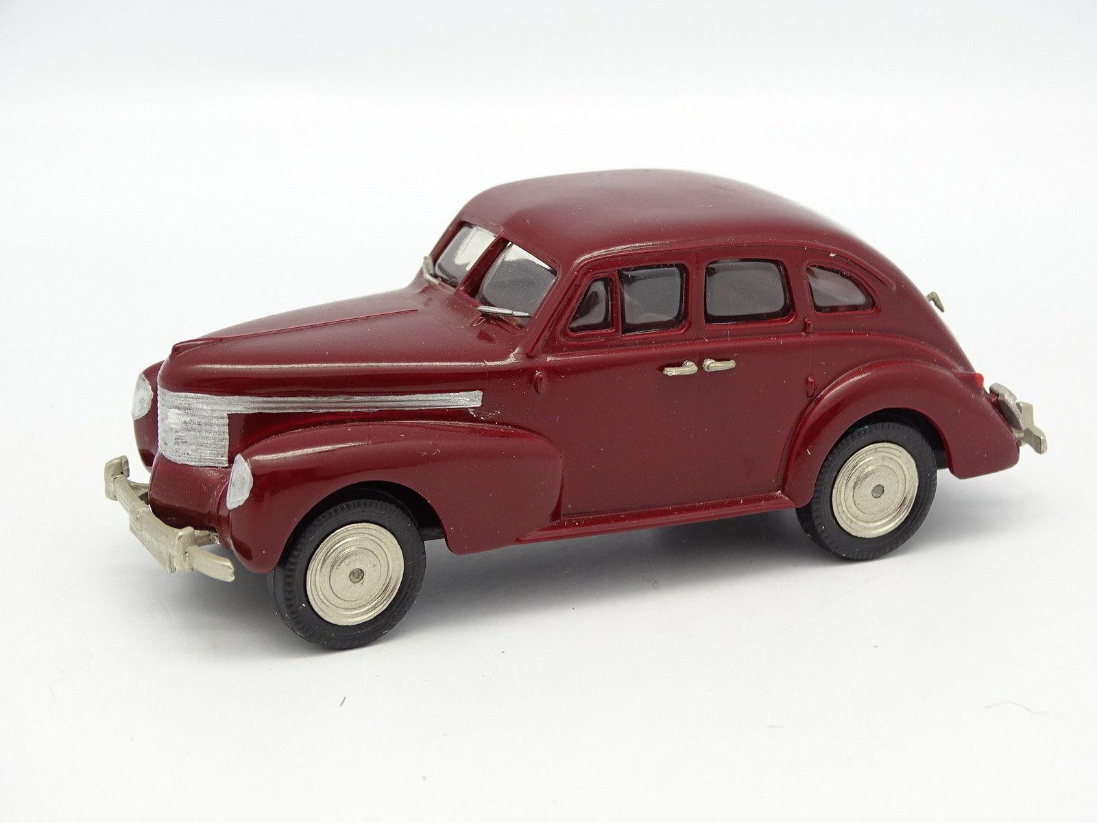 Oeste Modelos 1 43 - Opel Kapitan 1939 rosso