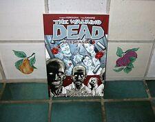 THE WALKING DEAD VOLUME 1 (EN ESPANOL)