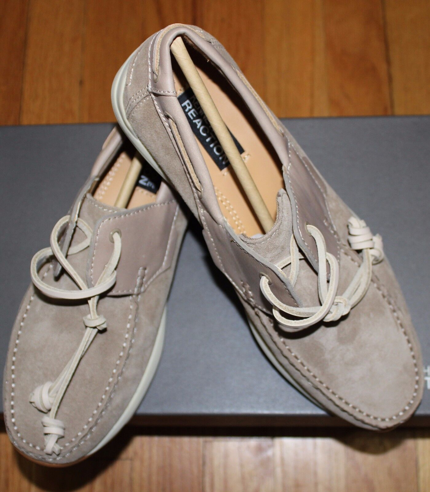 108 KENNETH COLE REACTION BEIGE MET-RO STATION BOAT SHOES SZ 9M US