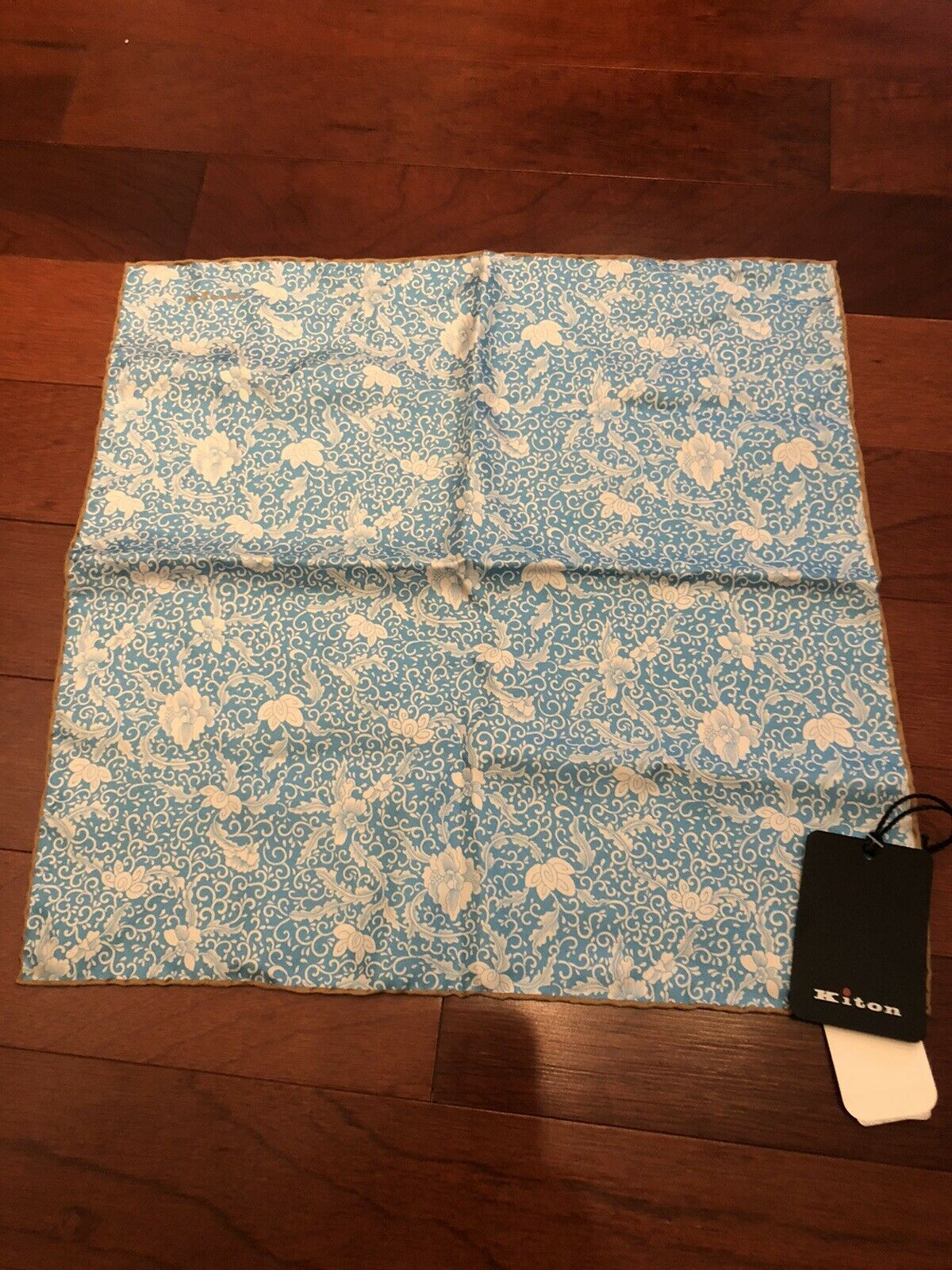 NWT Kiton Blue And White Floral Silk Pocketsqaure
