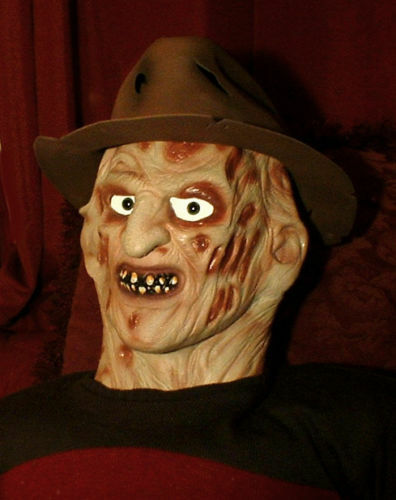 Haunted Frojody Krueger de tamaño completo Muñeca  ojos te siguen  Prop ficticia de Halloween