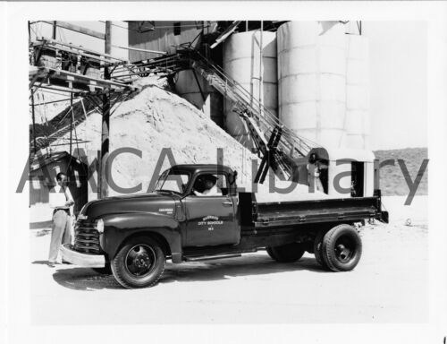 1950 Chevrolet 4400 Flatbed Truck Factory Photo Ref. # 32605