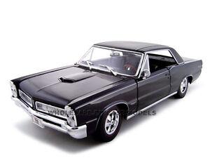 1965 pontiac gto hurst edition black 1:18 diecast model car by.