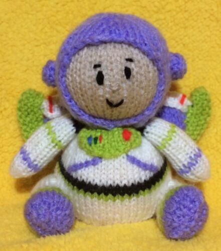 Knitting Pattern-Buzz Lightyear Inspiré Chocolat Orange Housse//13 cms Toy Story