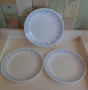Pretty-Vintage-Corelle-Corning-USA-8-5-034-Luncheon-Plates-x-3-Morning-Blue