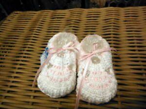 Will-039-beth-NWT-Infant-Newborn-Baby-Girl-Knit-Baby-Booties-0-3m-White-Pink-Dolls