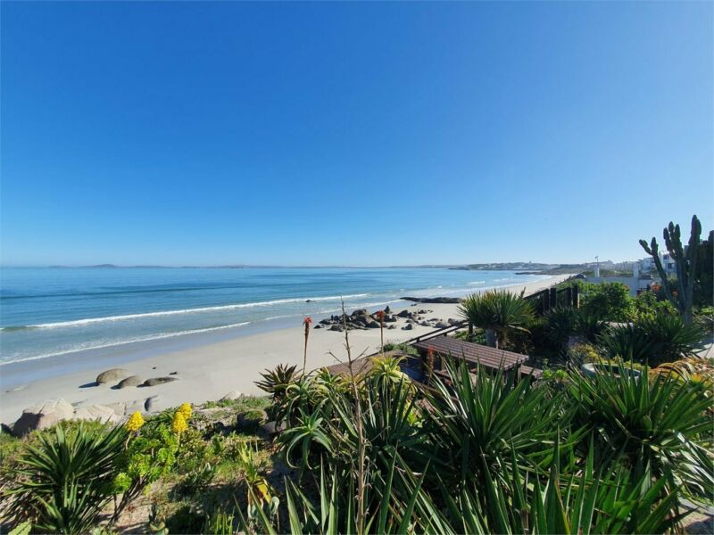 Self Catering Villa with Sea Views-Dec Availability -Peak rate for 6 adults