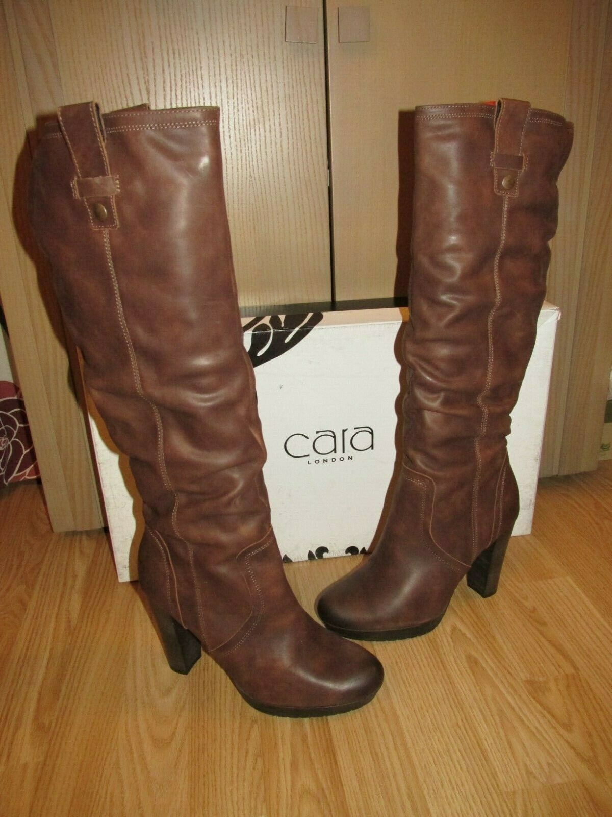 NEW BNWB CARA Womens Brown Leather Boots   Fleece Lining RRP