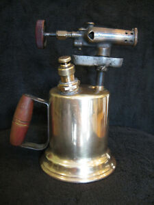 VINTAGE-OTTO-BERNZ-BRASS-BLOW-TORCH-USED-IN-GREAT-SHAPE