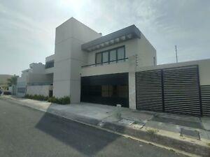 Casa en Renta Fraccionamiento lomas Residencia con albercal