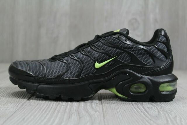 43 Youth Nike Air Max Plus TN Tuned 1 GS Neon Black Volt AO5435 002 Size 5.5Y 6Y